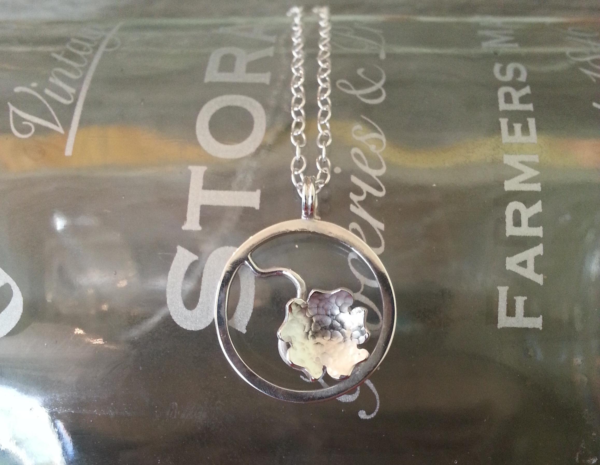 Blossom mini pendant